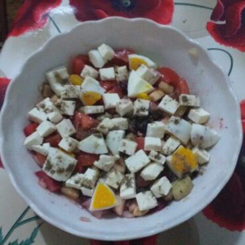 o-salata-gustoasa-si-apetisanta.jpg