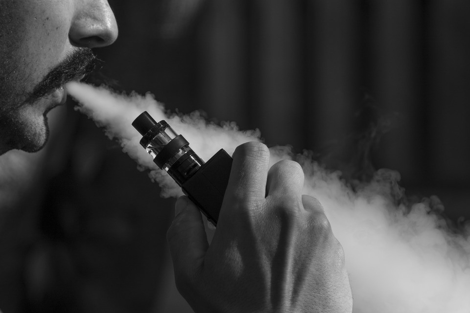 Nu folosi e-Cigarete, Vaping
