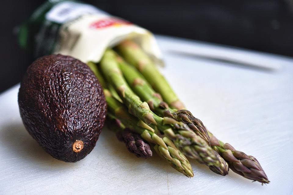 Puterea avocado — 10 Motive pentru a manca un avocado pe zi