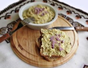 Salata de vinete cu usturoi copt