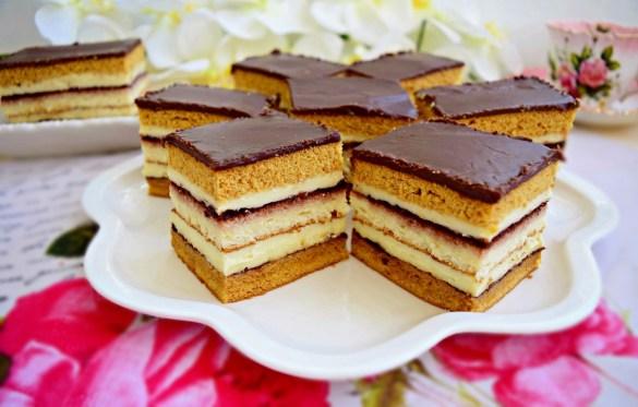 prăjitura dungată cu foi caramel și pandișpan