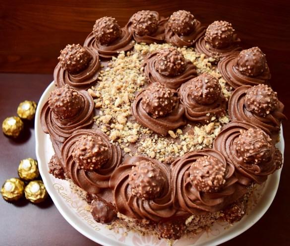 Tort Ferrero Rocher cu nutella și alune de pădure
