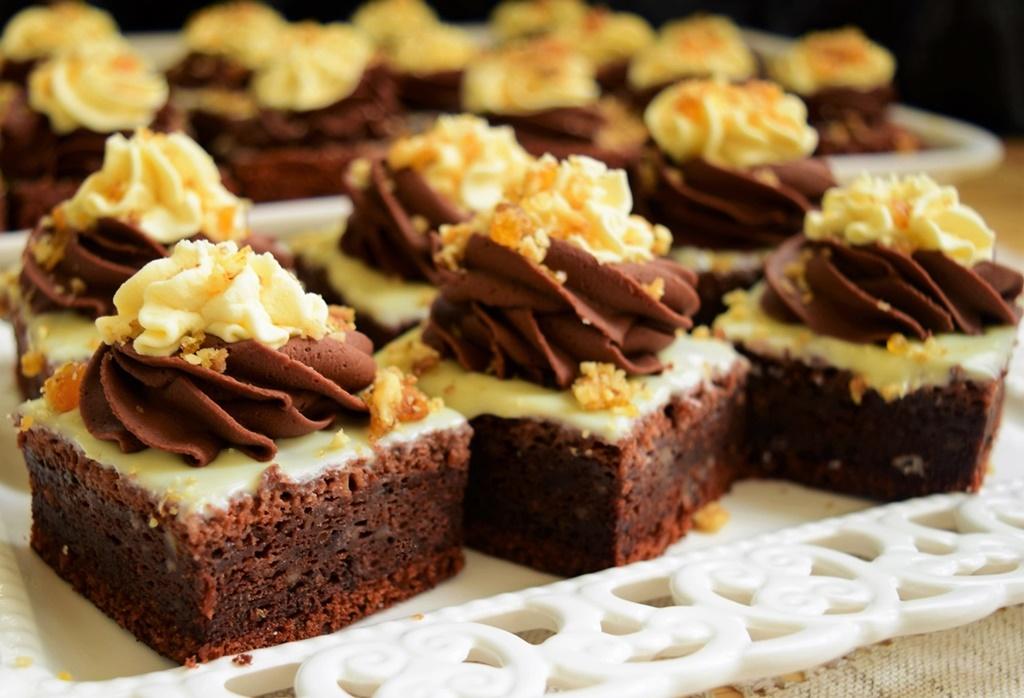 Negresă din albușuri cu ciocolată și Krantz
