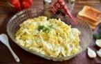 Salată de fasole păstăi cu maioneză și usturoi