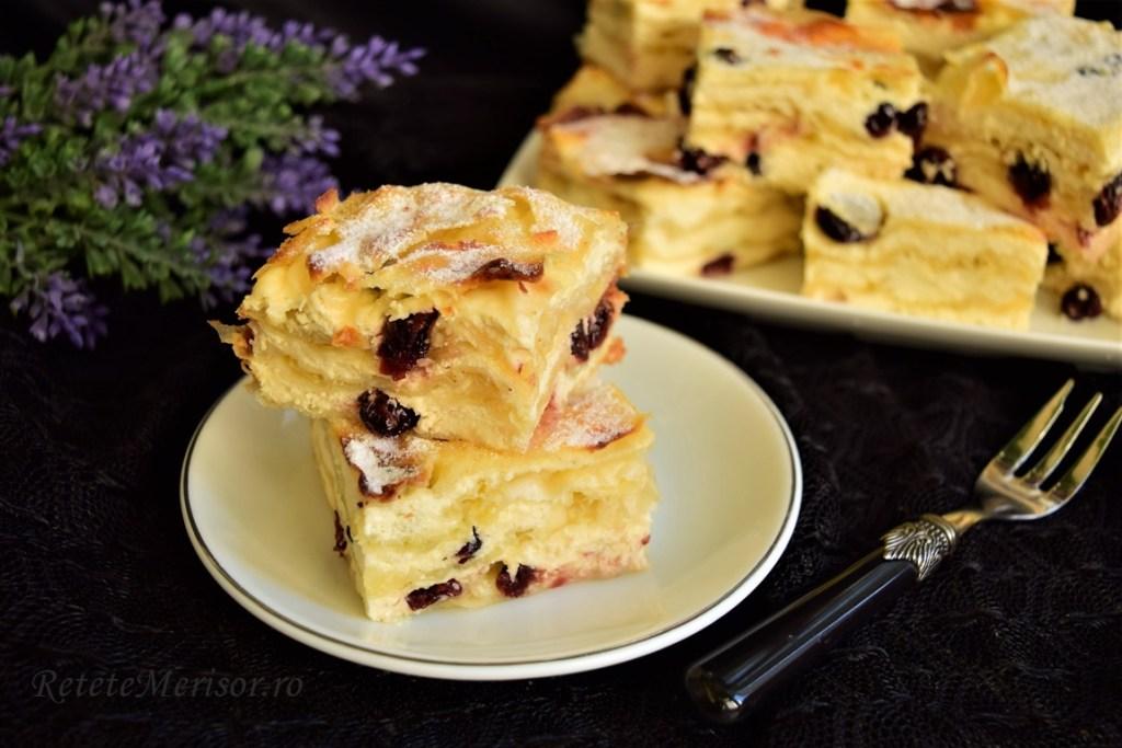 Plăcintă cu iaurt și urdă