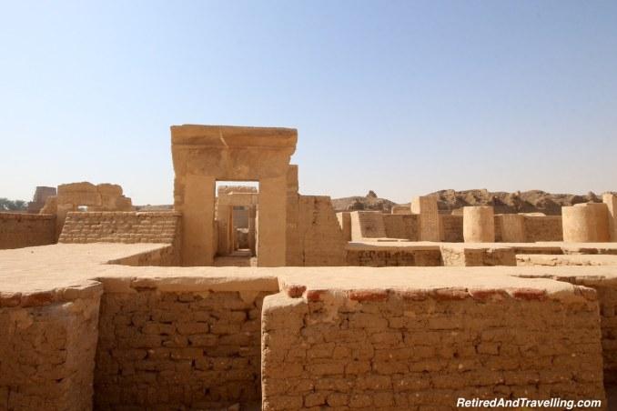 Royal Palace - Medinet Habu - Mortuary Temples.jpg