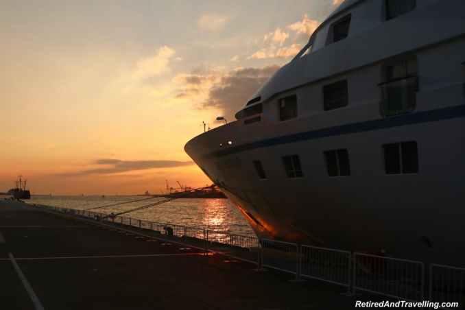 Osaka Port sunset.jpg