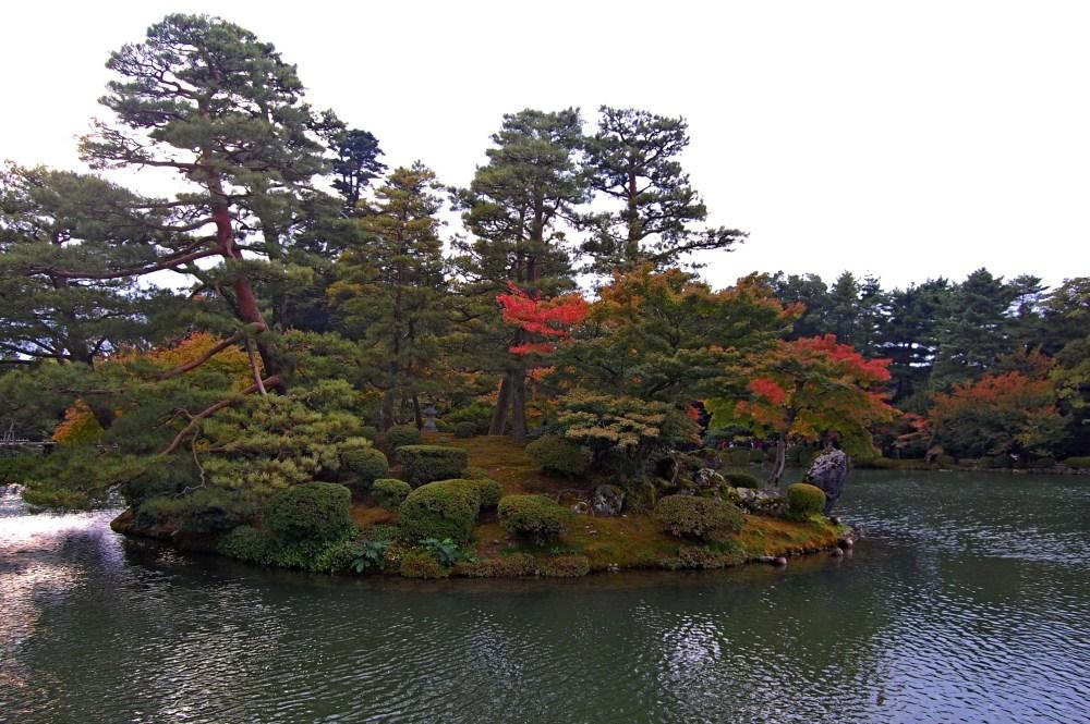 Six Attributes Garden - Kenrokuen Garden (兼六園) in Japan (5/6)