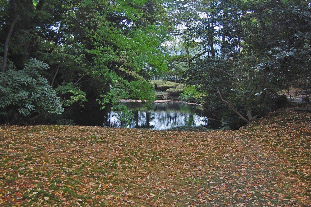 Six Attributes Garden - Kenrokuen Garden (兼六園) in Japan (4/6)