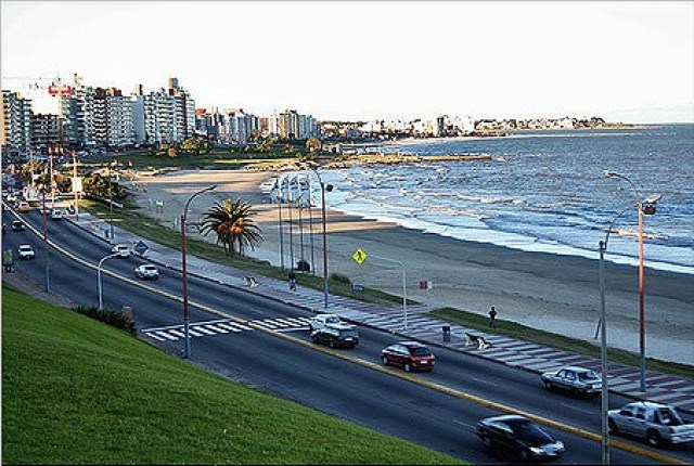Montevideo beach drive