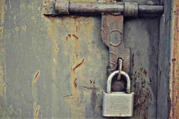 lock-895278