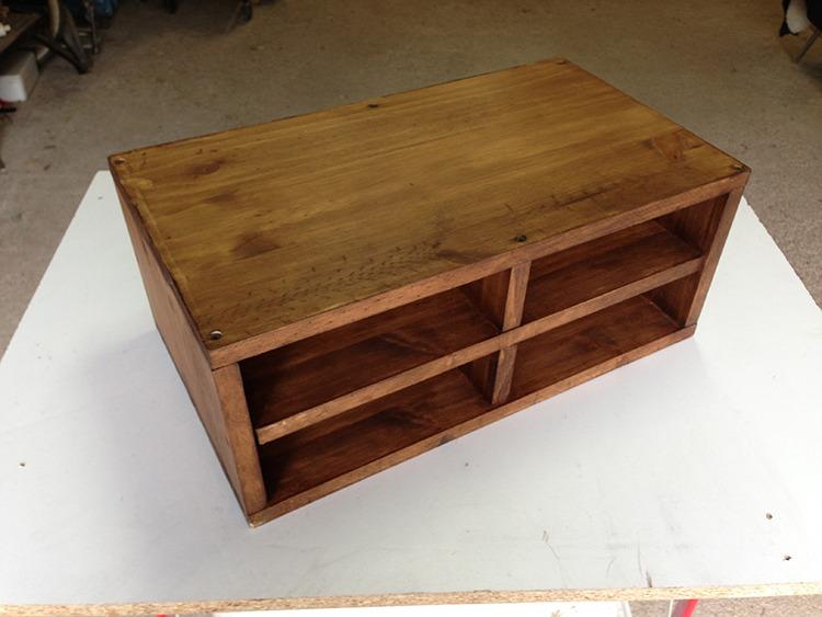 Fabrication petit meuble à tiroirs industriel