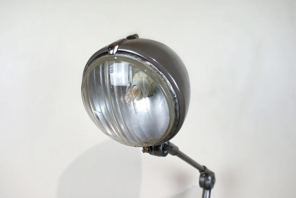 Lampe à base de pièces de 2CV