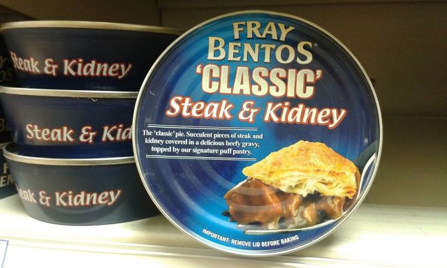 Fray_Bentos_pie_tins_2015