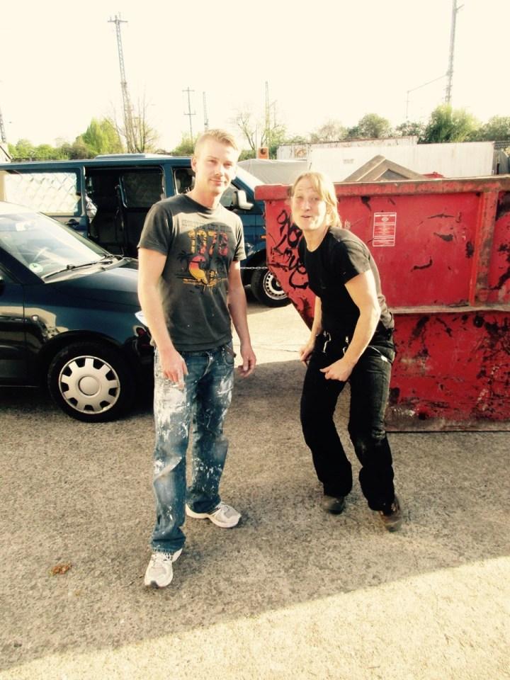 Mo (neu im Team) mit Kirsten aus der Holzwerkstatt