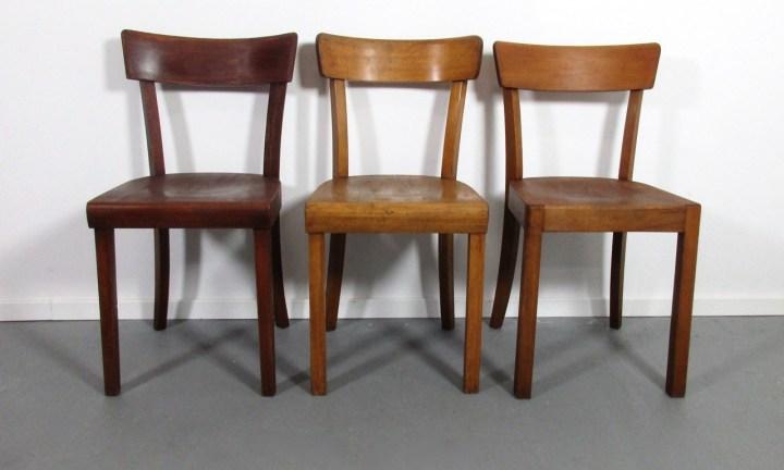 Beispielfoto für Frankfurter Stühle geölt mit charmanter altersbedingter Patina.