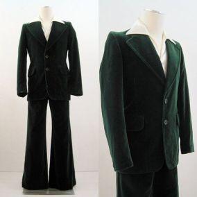 Bársony öltöny a 70-es évekből