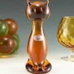 Vintage art glass cat figurine with original sticker by Rainbow Art Glass, a short lived subsidiary of Viking Art Glass. Rainbow Art Glass original catalog no. 801, circa 1970's.