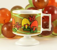 This is the only mushroom decor mug we've found featuring this fabulous hippie mushroom and butterfly décor.