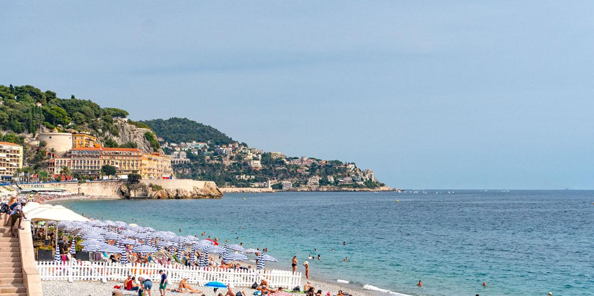 Der Strand von Nizza an der Engelsbucht