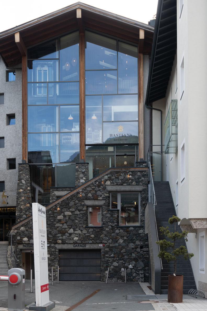 Lena Hoschek Laden in Kitzbühel