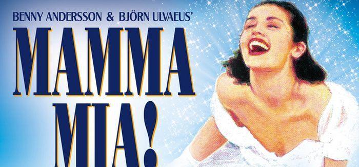Rendhagyó jelenet a 100. Mamma Mia! előadáson