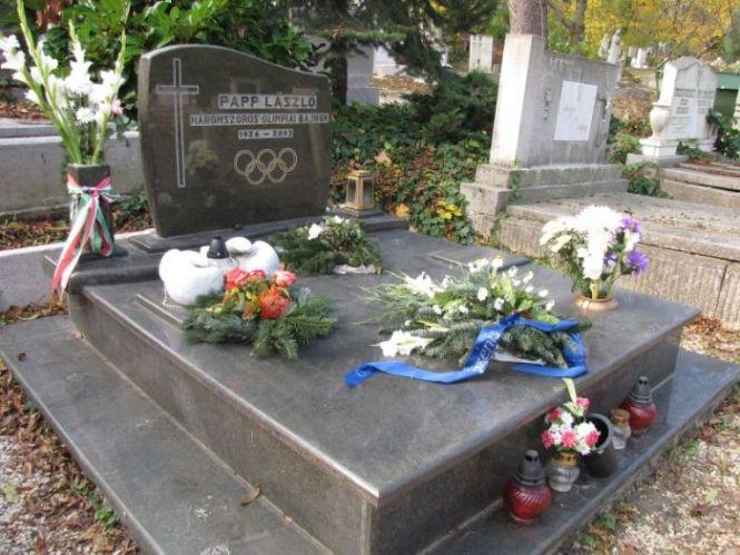 Papp László síremléke