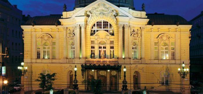 A Vígszínház délután közölte – jobbulást kívánunk  Eszenyi Enikőnek