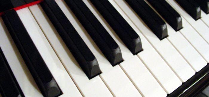 Így szól zongorán a Most élsz