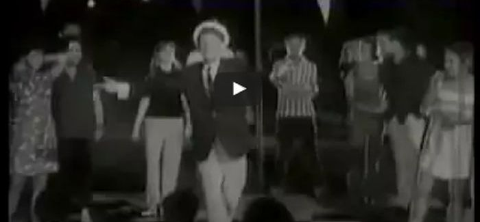 Latabár Kálmán énekesnek is nagyszerű volt – így adja elő a nagy slágert
