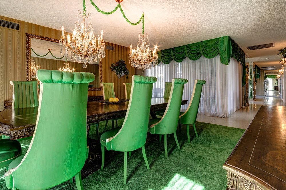 The Time Capsule House That Turned Modernism Week Upside Down 47 Photos Retro Renovation