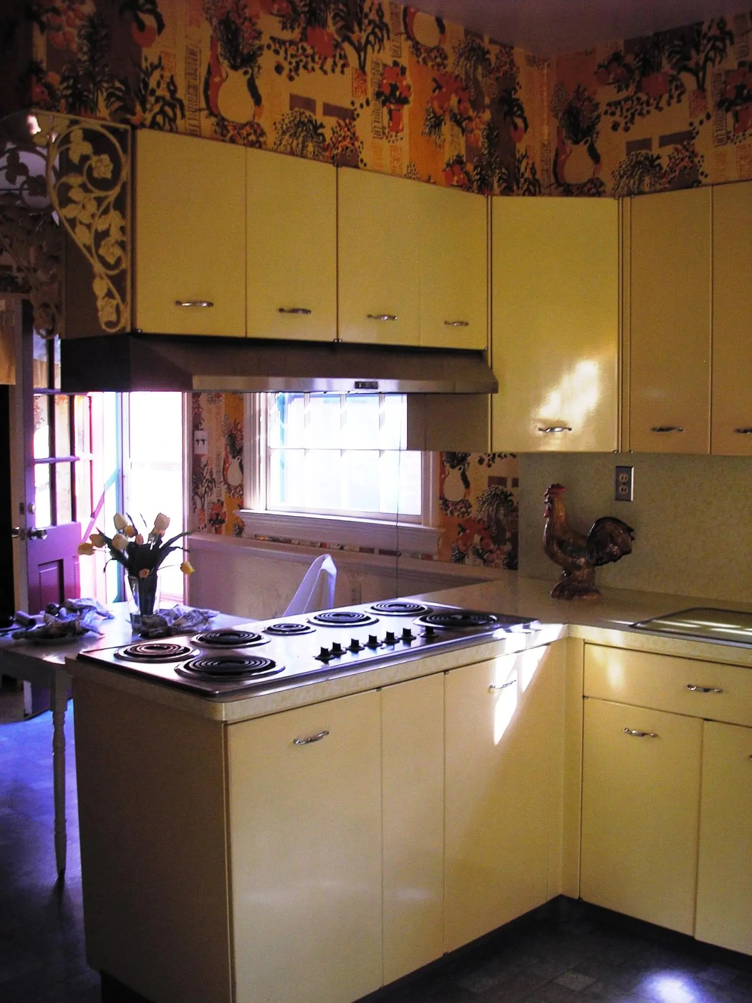 Alices Picture Perfect Yellow Geneva Kitchen Pink