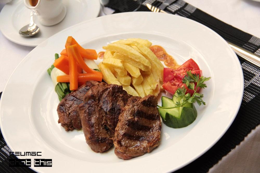 Tasty Treats - Grilled Pepper Steak  (1/3)