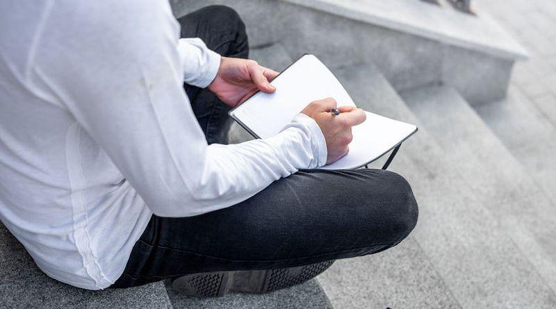 Comment prendre du recul au travail et relativiser? 9 actions incontournables