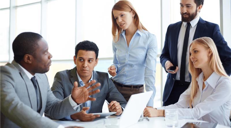 Modèle de Tuckman : les 5 étapes rythmant la vie d'une équipe