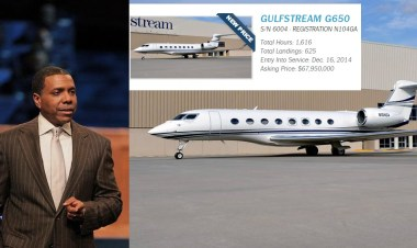 creflo_dollar_airplane