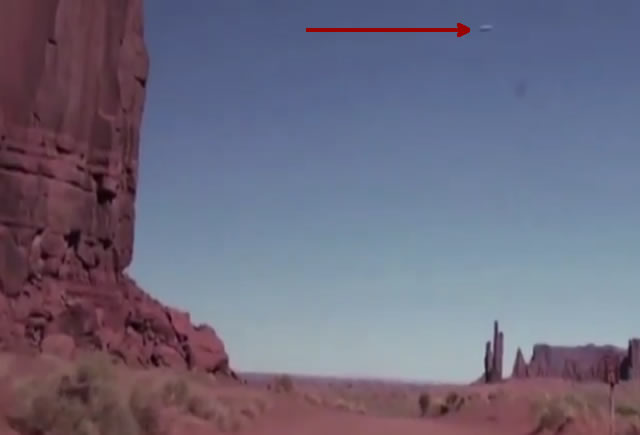 UFO Video Over Monument Valley