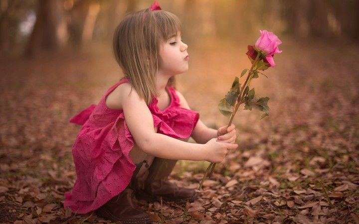 Cute Little Girl Holding Rose Flower Wallpaper By Kyouko