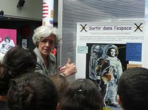 Claudie Haigneré et les enfants (2)