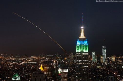 En premier plan, le Rockfeller Center de New York lors du lancement de LADEE