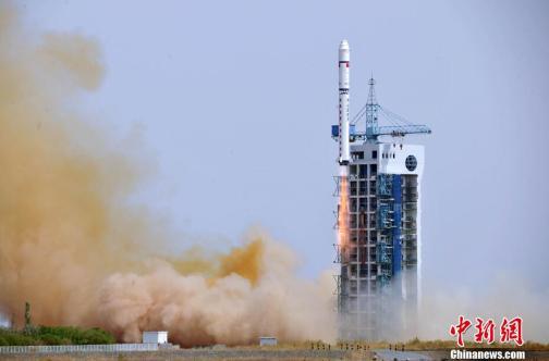 Lancement de Long March 2D le 25/11/13 (source ChinaNews.com)