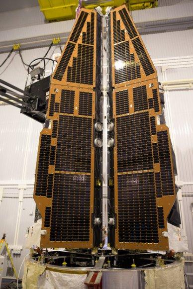 Les 3 satellites SWARM sur l'adaptateur lanceur (source ESA)