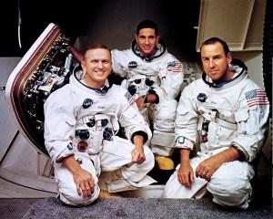 L'équipage d'Apollo 8 : Frank Borman, William A. Anders et James A. Lovell (de gauche à droite)