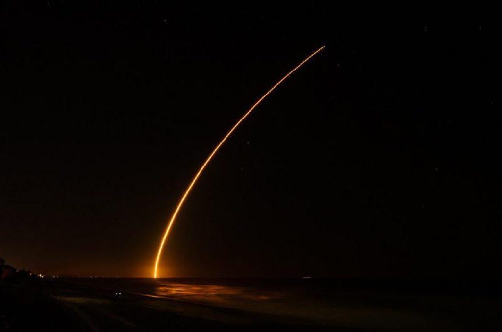 Le lancement de TDRS L photographié (source Chuck Palmer via @ObservingSpace)