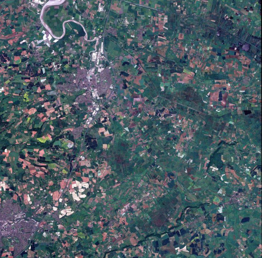 Environs de la ville de Bridgwater, au Royaume-Uni par le satellite d'observation de la Terre SPOT 6 le 8 Juin 2013 (source Airbus Defence and Space )