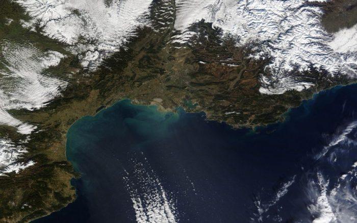 Image par le satellite Terra de la NASA le 25 Janvier 2013 (source http://earthobservatory.nasa.gov/)