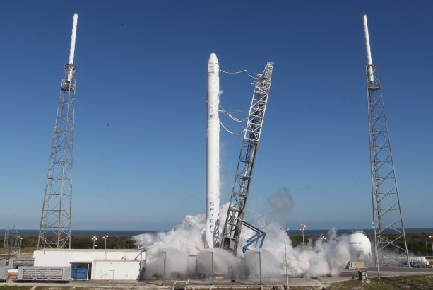 Le lanceur Falcon 9 lors du test statique du 8 mars (source Space X)