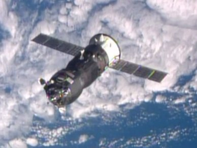 Le Progress M23-M en approche de l'ISS (source NASA TV)