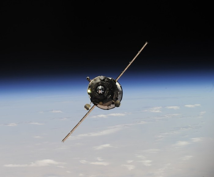 le cargo Progress M21-M en approche (Photo: Oleg Artemyev, Roskosmos)