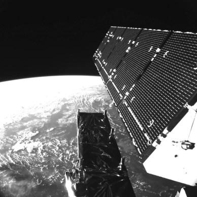 Image acquise par la caméra à bord du satellite Sentinel-1A le 4 Avril, quelques heures seulement après  être entré en orbite le 3 Avril 2014. (source ESA)